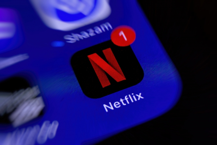 Why this analyst sees Netflix stock crashing more than 60%